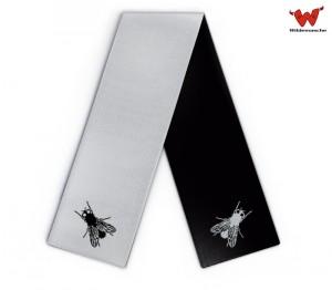 Strickschal mit Fliege
